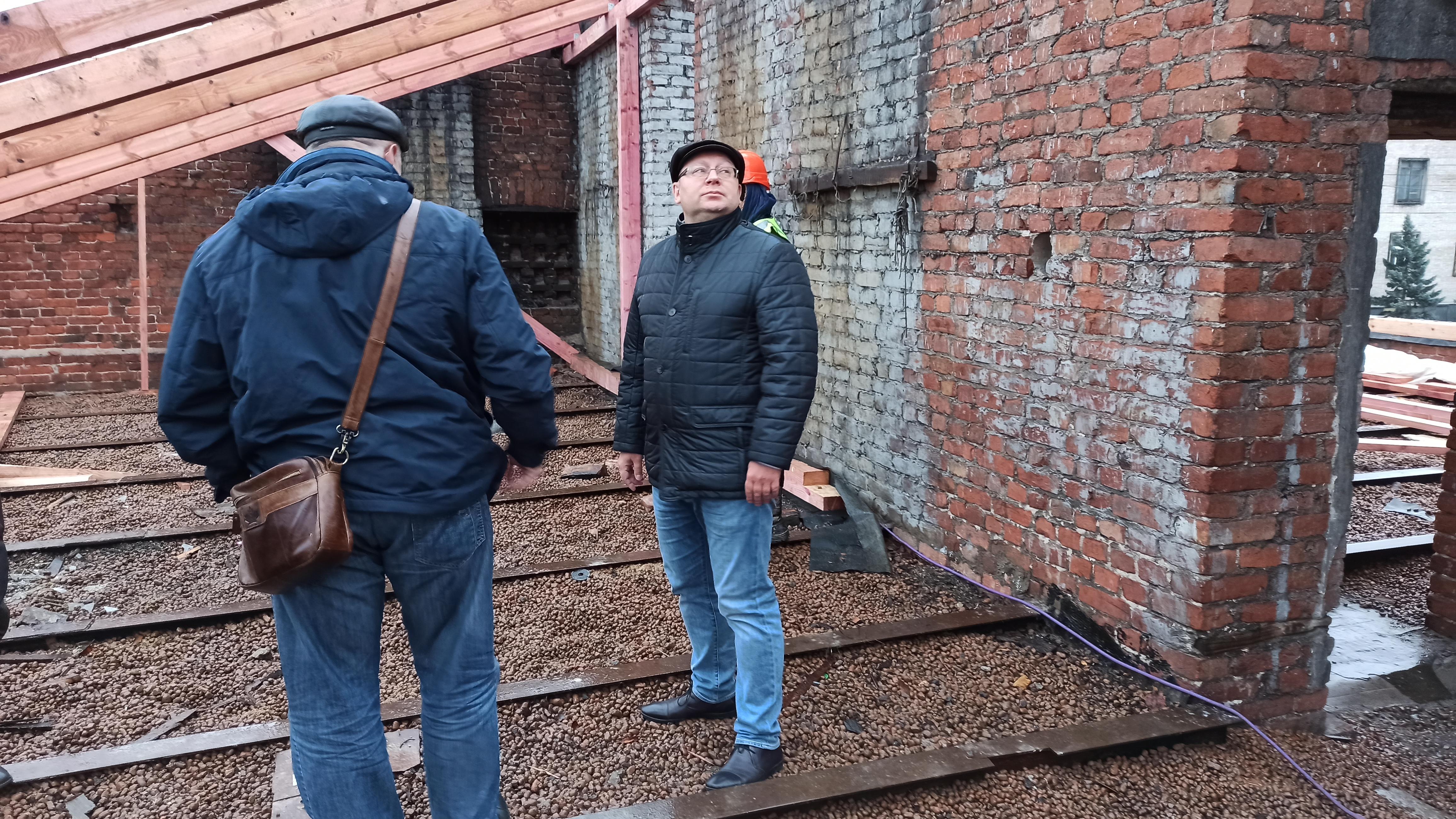 Директор «ГосЖилФонда» проконтролировал производство работ на Тамбовской