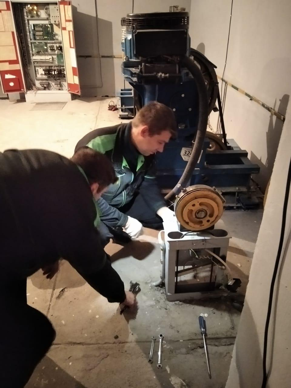 «ГосЖилФонд» отремонтировал лифты на Еремеева